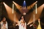 Aux Écuries voyez la plus vieille rappeuse au monde : MOMMY