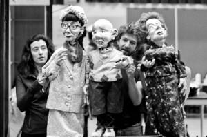 Les Enrobantes: une fable burlesque