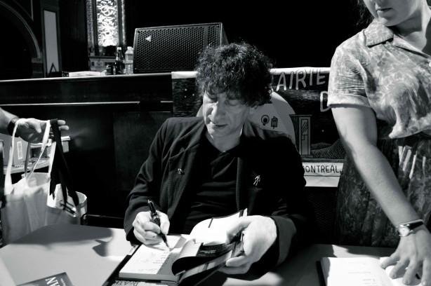 Tournée littéraire : Neil Gaiman à Montréal et le Rialto en délire de lire