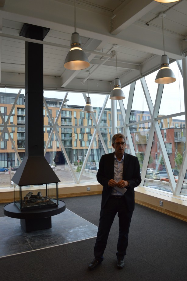 Lire la bibliothèque Marc-Favreau en compagnie de l'architecte