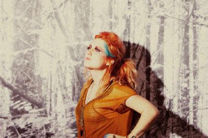 <i>Shit</i> : un nouveau clip pour Fanny Bloom