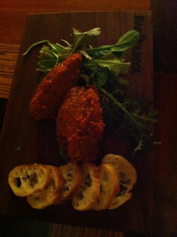 Surprenant tartare d'agneau au curry. Un plat relevé, mais ô combien savoureux. Mon coup de coeur lors de cette visite.