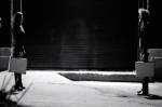Un clip sombre pour <i>L'aiguille</i> de PONI