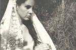 Lana Del Rey joue à la mariée dans le vidéoclip de <i>Ultraviolence</i>