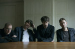 Blur révèle deux nouvelles pièces de <i>The Magic Whip</i>: <i>Lonesome Street</i> et <i>There Are Too Many of Us</i>