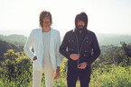 Death From Above 1979 met en images <i>White Is Red</i>