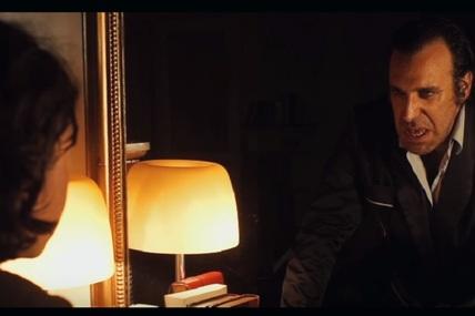 Chilly Gonzales admet qu&rsquo;il n&rsquo;est pas un <i>Musical Genius</i> dans son nouveau clip